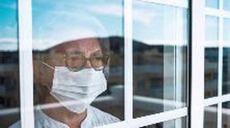 Positivi sintomatici, asintomatici e contatti stretti: le nuove linee guida su isolamento e quarantena