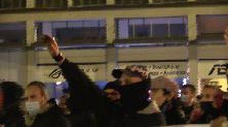 """Saluti romani, insulti e minacce ai giornalisti, ecco il corteo a Bologna: """"Ci prenderemo piazza Maggiore"""""""