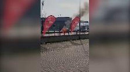 San Martino, l'auto prende fuoco vicino al distributore