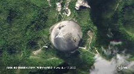 Porto Rico, collassa il radiotelescopio di Arecibo: fu reso famoso dal film di James Bond con Pierce Brosnan