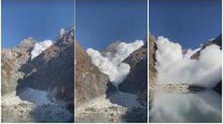 Nepal, la valanga scende tra le montagne e genera un'epica nuvola di neve che raggiunge gli escursionisti