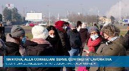 Mantova, l'appello dei lavoratori Corneliani: serve continuità lavorativa