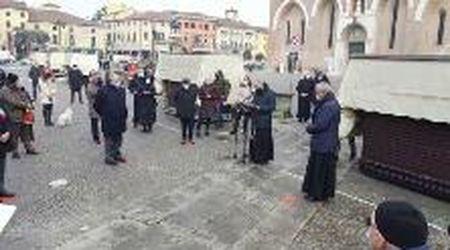 Quattro pietre d'inciampo a Padova. Davanti al Santo quella per padre Placido Cortese