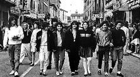 """Piombino, il tempo delle """"vasche"""": 9 scatti storici di corso Italia"""