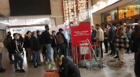 Venezia, la stazione presa d'assalto dai pendolari del turismo domenicale