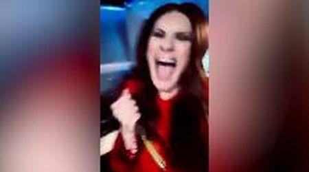 Golden Globe, è di Laura Pausini la migliore canzone: la gioia della cantante dopo la proclamazione