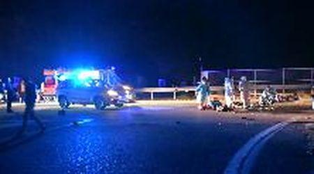 Pavia, schianto auto-moto: 22enne muore in via Abbiategrasso