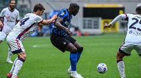 Calcio, Dazn lascia al buio i tifosi: sui social ironia e preoccupazione degli utenti