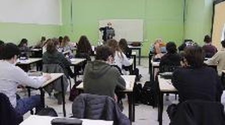 Scuola, uno studente su due torna in classe al Caramuel -Roncalli