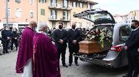 A San Salvatore l'addio a Paolo Veronesi, prof, editore e padre