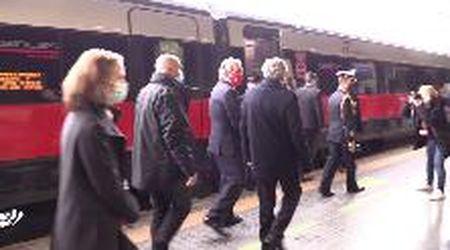 Coronavirus, tamponi rapidi gratuiti prima di salire a bordo: parte da Roma il primo treno covid-free