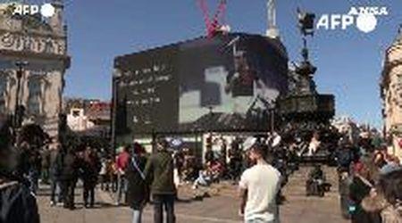 Funerali del principe Filippo, Londra: Piccadilly Circus durante il minuto di silenzio