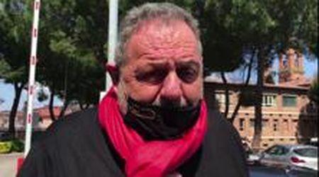 """Perugia, Vissani protesta sotto casa Draghi: """"Riaprite i ristoranti, troppo freddo per mangiare fuori"""""""