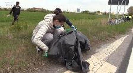 Modena, i volontari raccolgono tonnellate di rifiuti