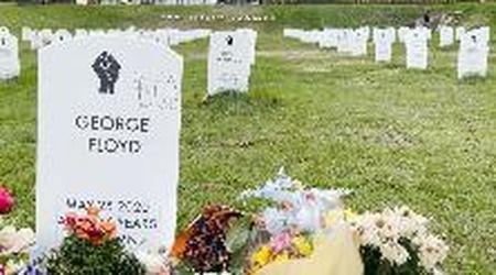 George Floyd, visite e fiori al cimitero per le vittime nere della polizia dopo condanna di Chauvin