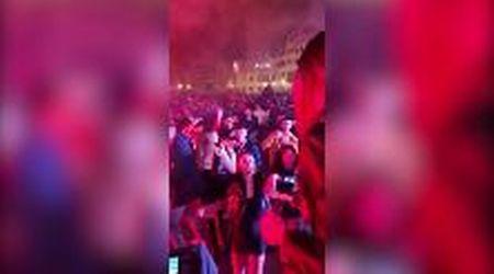 Firenze, la manifestazione di Ioapro trasforma piazza Santa Croce in una discoteca