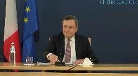 Vertice europeo, il premier Draghi interrotto dal canto dei pavoni