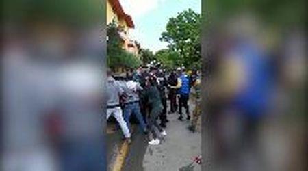Accoltella l'ex e uccide il figlio di lei: catturato a Tortolì  Sfiorato il linciaggio della folla inferocita