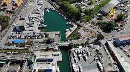 La Spezia, il ponte mobile crollato visto dal drone