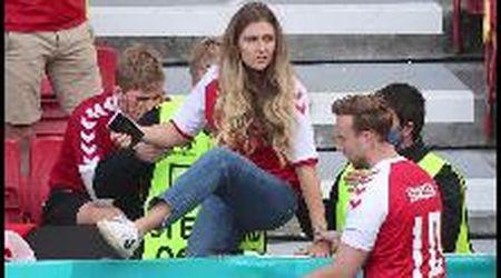 Euro2020, malore per Eriksen: la moglie scende in campo in lacrime