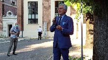 """D'Alema a Parma inaugura la mostra sul Pci: """"I partiti educavano alla politica"""""""