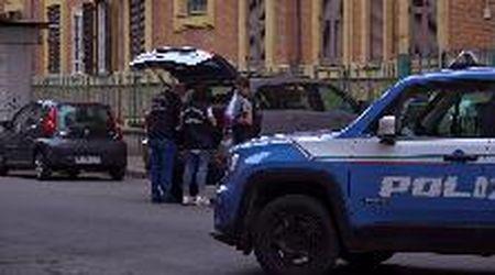 Allarme bomba a Roma, le immagini dell'intervento degli artificieri