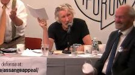 Zuckerberg chiede a Roger Waters una sua canzone per uno spot: insulti e offese come risposta