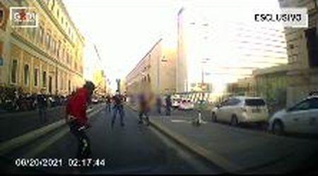 Roma, stazione Termini: poliziotto spara alle gambe di un sospetto durante un fermo