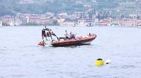 Lago di Garda: trovato uomo morto in una barca, dispersa una donna. Le ricerche