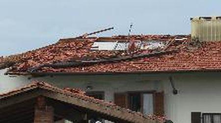 Maltempo in Piemonte: danni e disagi: le case scoperchiate e gli alberi abbattuti a Favria