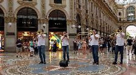 Festa della musica 2021, il Quartetto di Brescia improvvisa un flash mob sulle note dei Cold Play in Galleria a Milano
