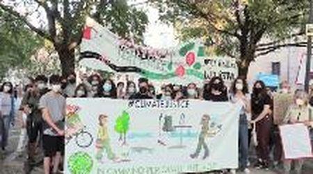 I giovani di Modena in piazza per l'ambiente