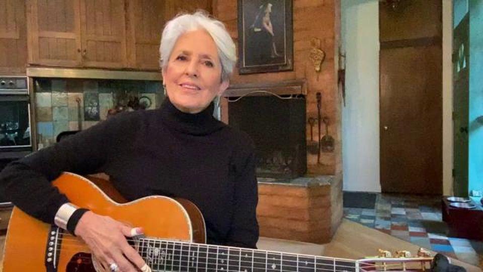 """Joan Baez canta 'Un mondo d'amore' con dedica all'Italia: """"Ispirazione per tutto il mondo"""""""