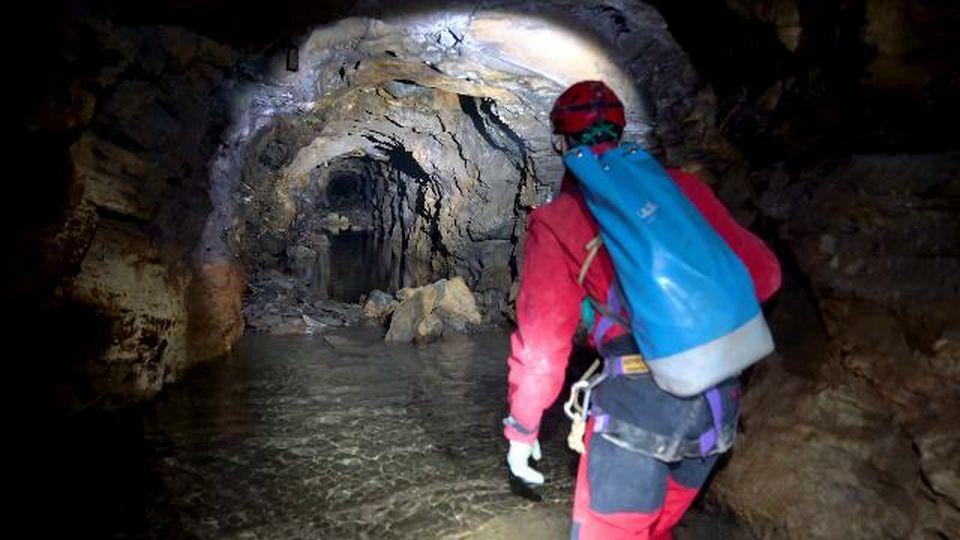 Ossola, nella miniera d'oro dimenticata: la prima esplorazione degli speleologi dopo 100 anni