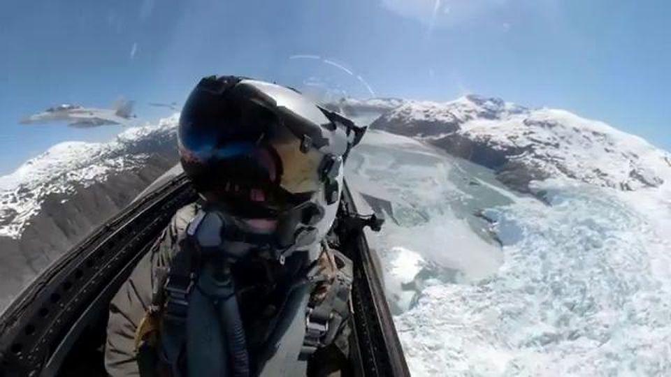Un anno a bordo di un Super Hornet della Marina Usa, il video girato dal pilota di jet toglie il fiato