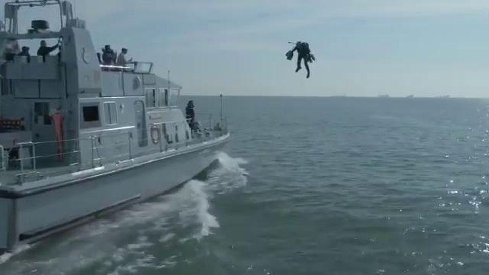 La tuta di Iron Man esiste davvero e la marina militare britannica la sta testando