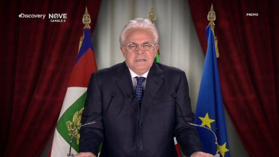 """Crozza-Mattarella: """"Fermiamo anche i cinquantenni produttivi, ma di cazz.."""""""