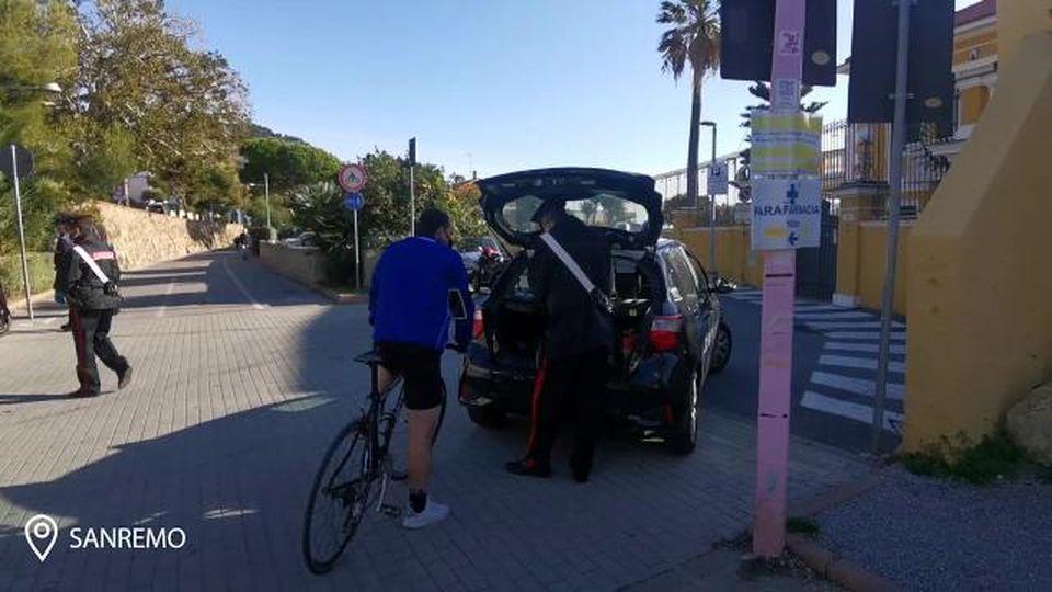 Sanremo, raffica di multe ai ciclisti che oltrepassano il Comune