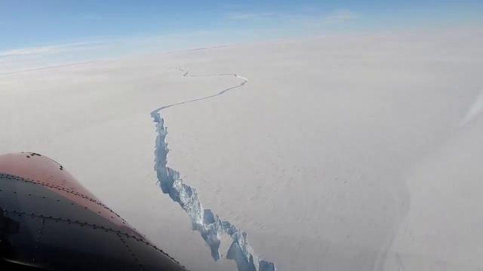 Così nasce un iceberg: l'enorme frattura nel ghiaccio dell'Antartide