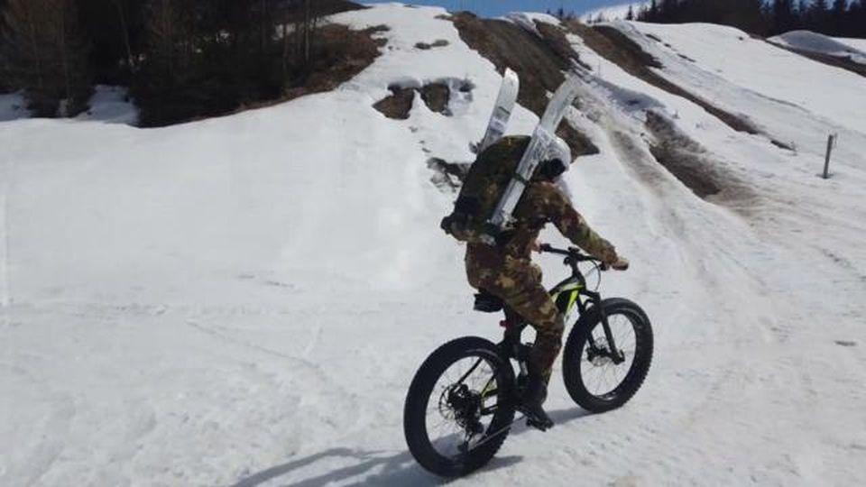 L'Esercito testa le e-bike: ecco la sperimentazione sulla neve