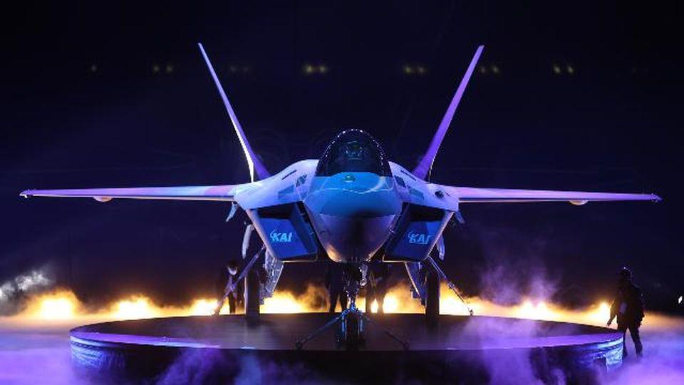 Svelato il rivale dell'F-35: il jet da combattimento sudcoreano di ultima generazione KF-21 Boramae farà da concorrente agli Usa