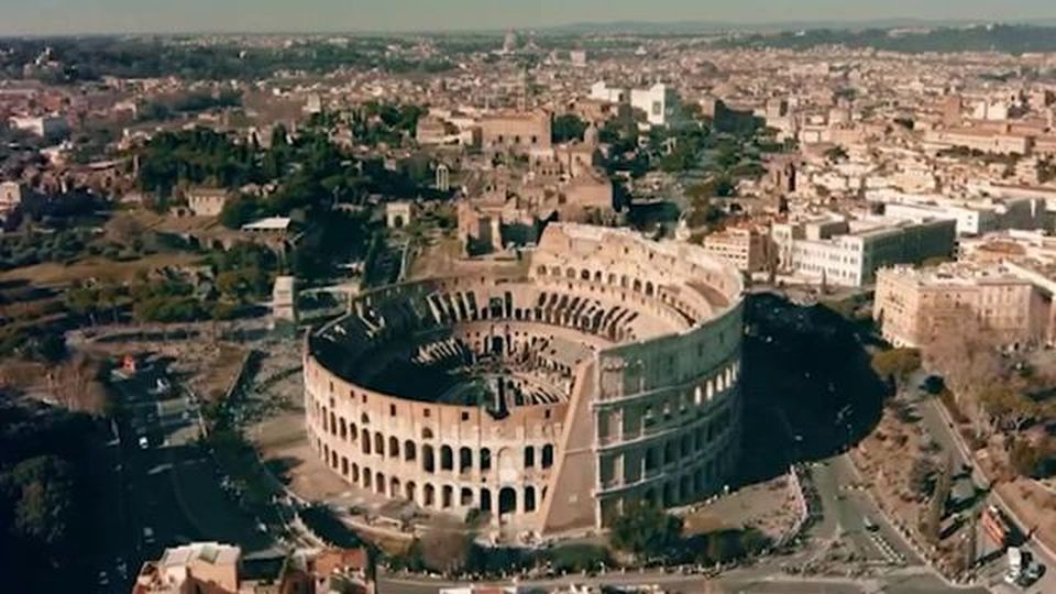 """Un """"nuovo"""" Colosseo, ecco come sarà ristrutturata l'icona di Roma con coperture reversibili e tecnologiche"""