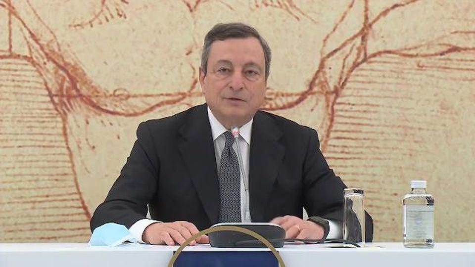 Turismo, Draghi: ''Green Pass attivo dalla seconda metà di maggio per i viaggi in Italia''