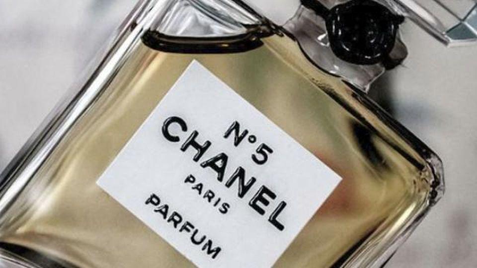 Chanel N. 5: i 100 anni del profumo mito, amato da Marilyn
