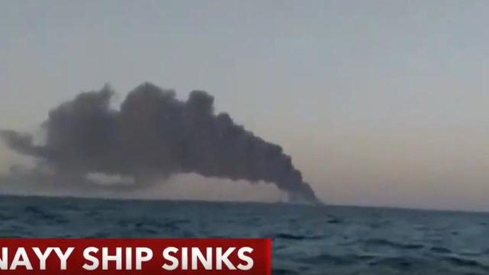 Va a fuoco la nave ammiraglia della Marina iraniana: mistero sulle cause