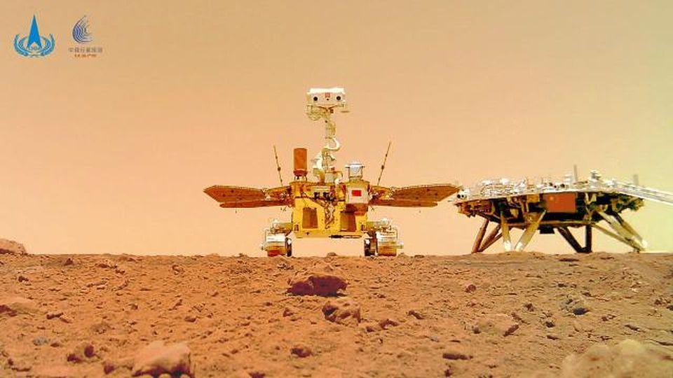 Spazio, la bandiera cinese 'sbarca' su Marte: le immagini dal lancio all'atterraggio del rover