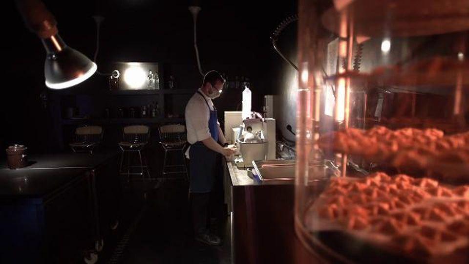 Viaggio in esclusiva nel 'laboratorio segreto' di Moreno Cedroni dove nasce il futuro del cibo che arriva dal mare