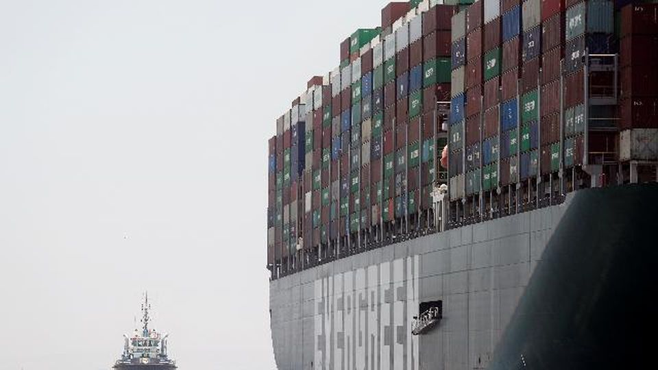 La Ever Given lascia il canale di Suez. Dall'armatore un risarcimento di 550 milioni di dollari