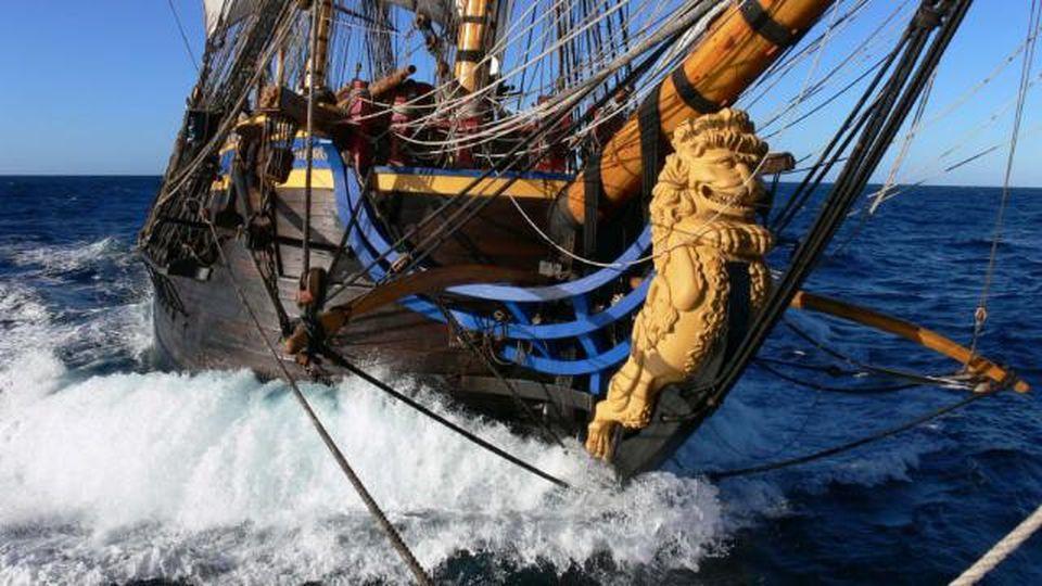 Il galeone più grande del mondo riparte dalla Svezia per la Cina navigando come nel '700