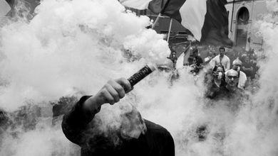 Cosa si muove dietro l'alleanza nera tra neofascisti, ultras e no 5g
